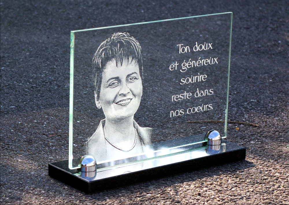 Renaud Gravure French Quality On Memorial Plaques